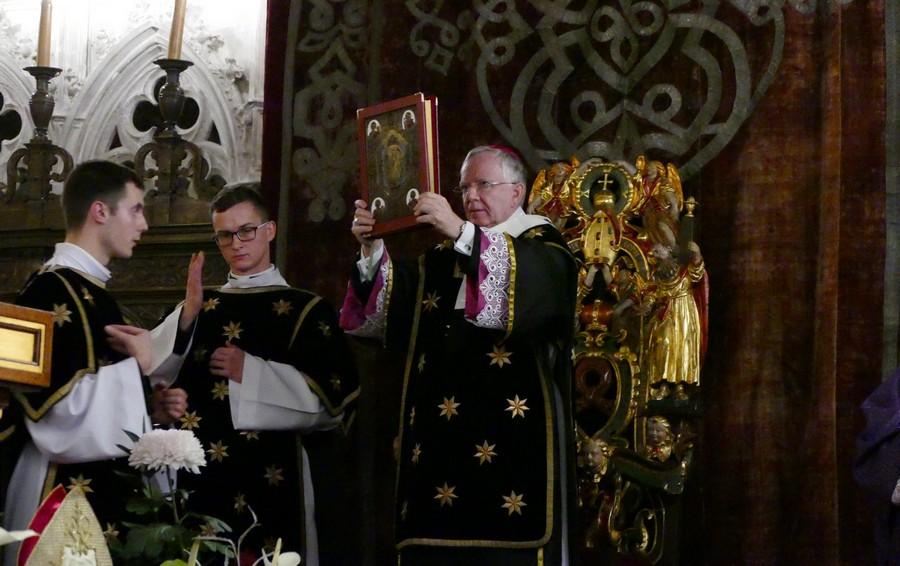 Dzień Zaduszny na Wawelu udziałem krakowskich biskupów - 2 listopada 2017