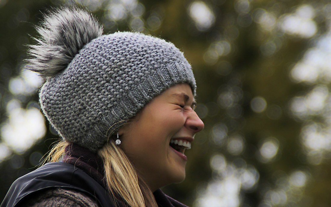 kobieta radość zima