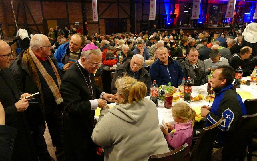Wigilia Caritas 2017 z udziałem abp. Marka Jędraszewskiego